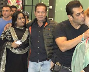 salman-with-family-jpg